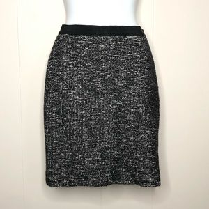 ANN TAYLOR Black and White Tweed Skirt Size 0P
